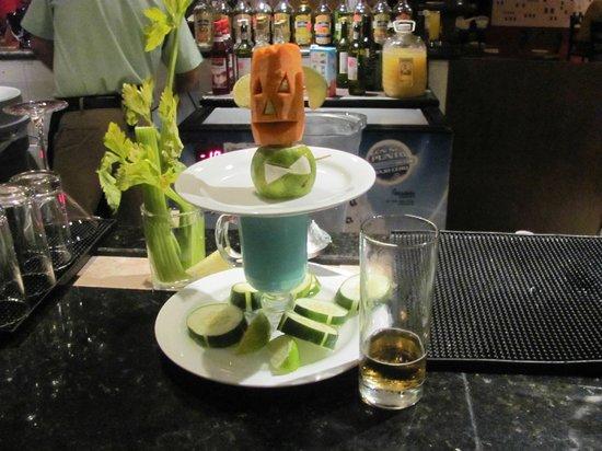Ocean Spa Hotel: Lobby Bartender handiwork