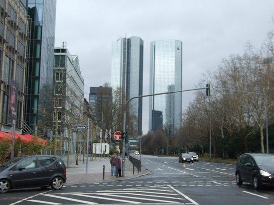 InterContinental Frankfurt: フランクフルトの街並み
