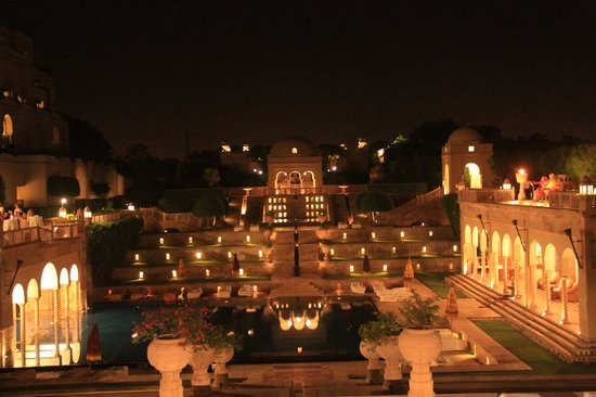The Oberoi Amarvilas : Hotel at night