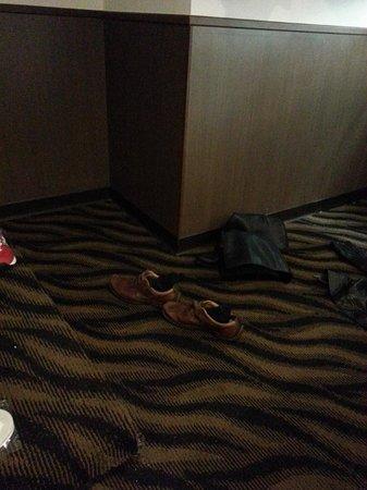 101 - S Hotel Ximen: The corner my mum hit her head on