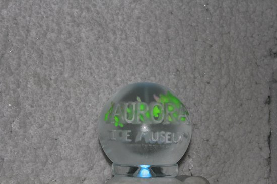 The Aurora Ice Museum : Carving