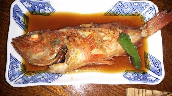 Komadoriso: カサゴの煮付け。味がよく染みてほっぺたが落ちますよ。