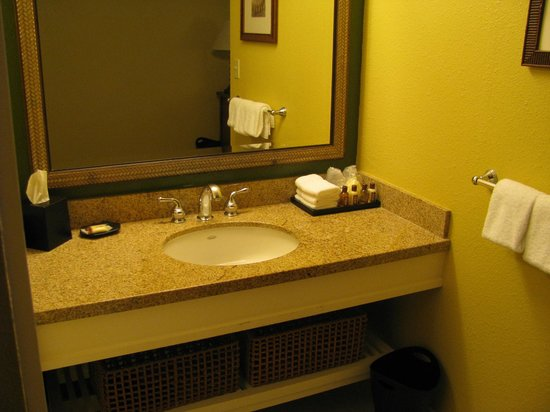 Sheraton Kona Resort & Spa at Keauhou Bay : Bathroom