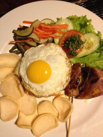 ASA Bali Luxury Villas: Room service - nasi goreng