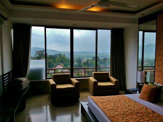 Tourmaline Hotel : The room