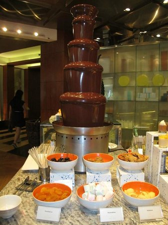 Circles Event Cafe: Chocolate fountain