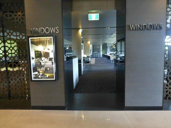 Pullman Melbourne Albert Park: The hotel's restaurant 'Windows'