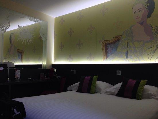 Hotel Roi Soleil Prestige : Wharolesque mais super sympa. C'est coloré et joyeux.