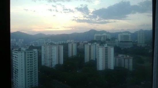 Vistana Penang Bukit Jambul : View from room (19th floor)