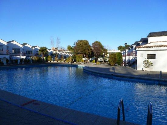 Osuna Hotel: piscina