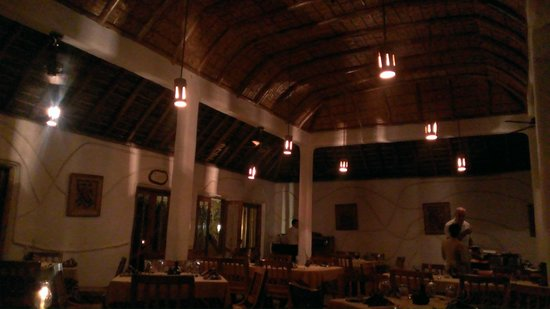 Orange County Resorts Kabini : Restaurant in evening