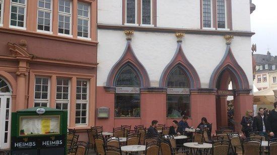 Zur Steipe: The restaurant, next tot the Toy Museum in Trier