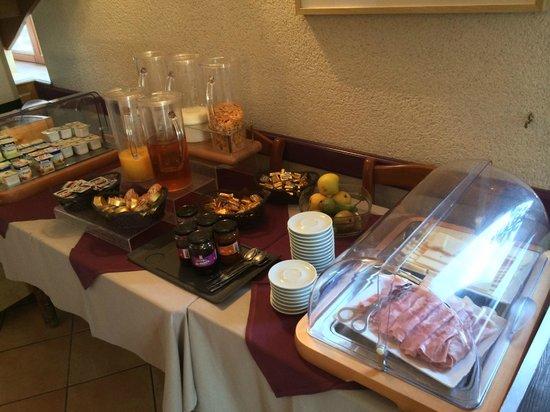 Auberge de la Baie: 朝食のラインナップ