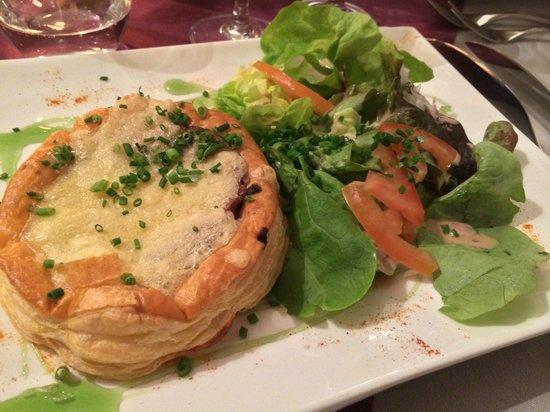 Auberge de la Baie: ディナーの郷土料理(羊を使ったパイ)