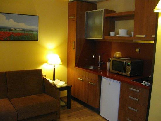 Suites Gran Via 44: la cocinilla
