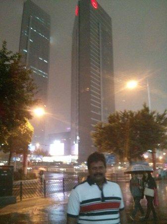 Sheraton Guangzhou Hotel: Sheraton Gzu from Victory Plaza