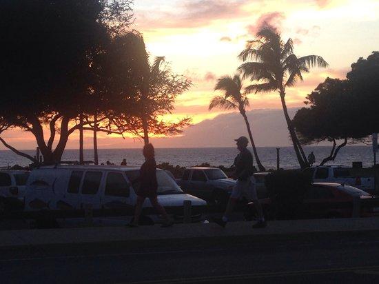 Kamaole Sands : Maui sunset