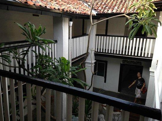 Layang Layang Guest House: 内部1