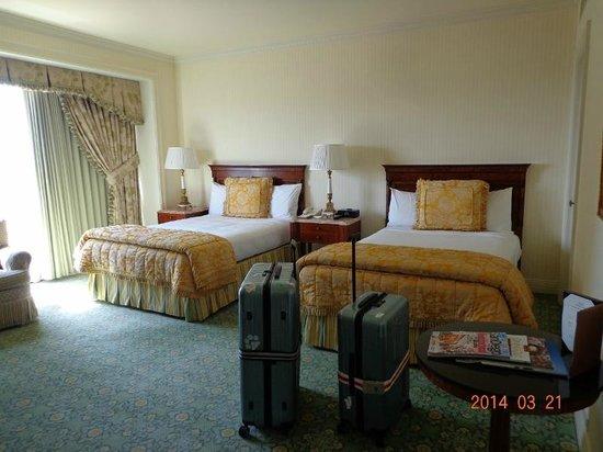 The Westgate Hotel: 18階ツインルーム