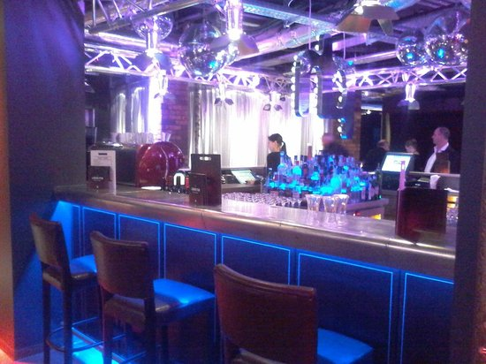 pentahotel Inverness : Trendy bar