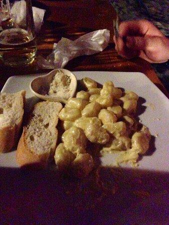 Pilot Bar: Gnocchi al gorgonzola very tasty