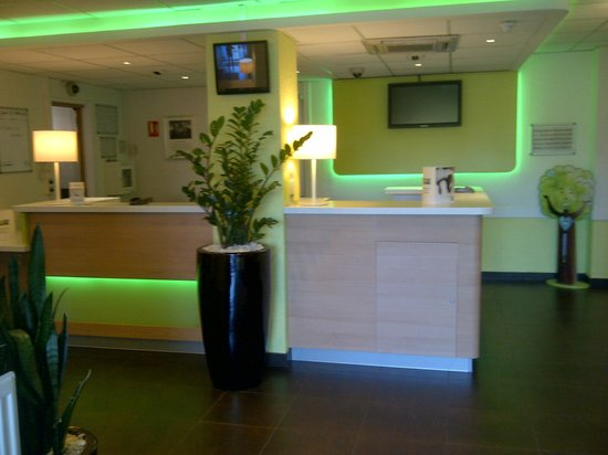 Ibis Budget Paris Porte de Bagnolet : RECEPTION