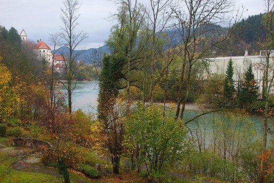 Europarkhotel International: バルコニーから川が見えます