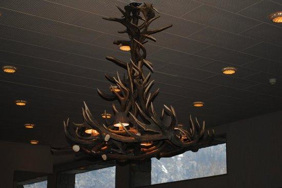Grand Hotel Royal e Golf : Particolare del lampadario Hall