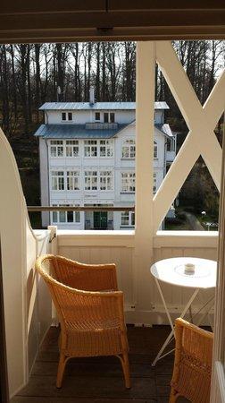 ROEWERS Privathotel - The Spa Concept: sonniger Balkon mit Blick zur Ostsee (um die Ecke)