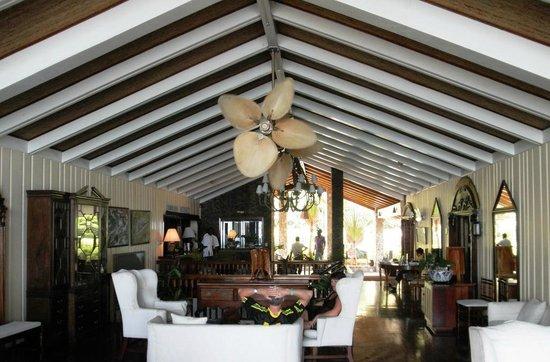 Shaw Park Beach Hotel & Spa: Shaw Park Beach Hotel: lobby area
