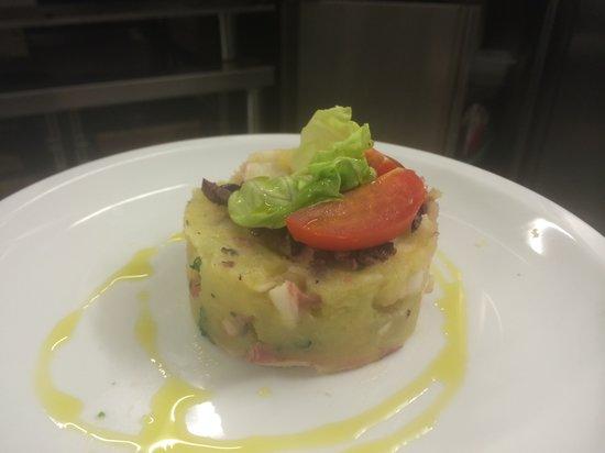 Osteria del Borgo : Tortino di polpo e patate con paté di olive della riviera