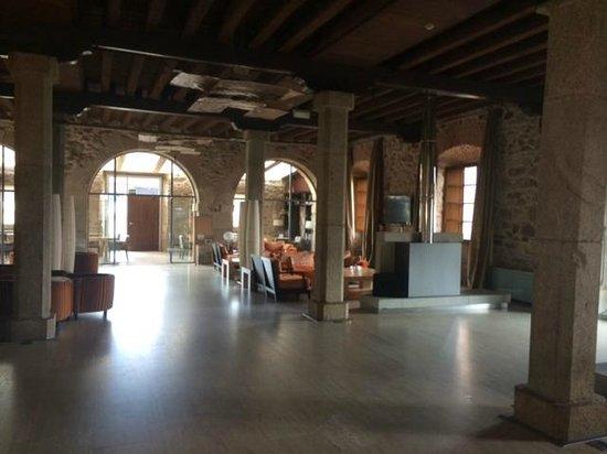 Hotel Izan Puerta de Gredos: Hall / Recpeción
