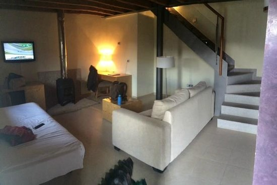 Hotel Izan Puerta de Gredos: Salón de la Mini Suite