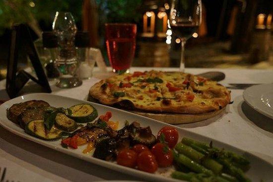 Amari Vogue Krabi : タイカレーのピザが意外においしかった!