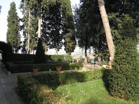 Villasanpaolo : il parco dell'hotel