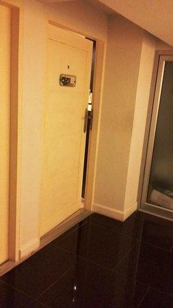Me Hotel : door to our room