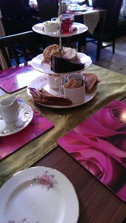 Blondies Twisted Tea Room: gorgeous