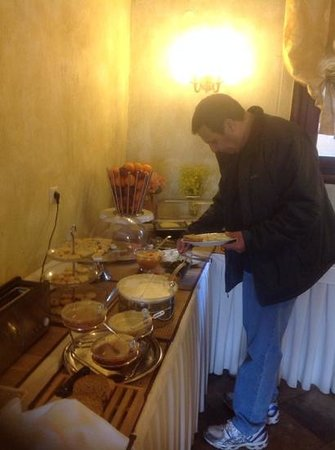 Doupiani House Hotel: breakfast