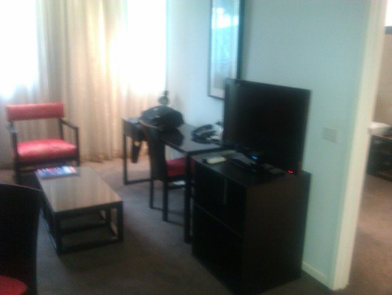 Adina Apartment Hotel Melbourne Northbank: Lounge 1