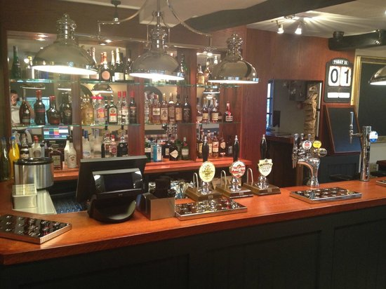 The Red Lion: New Bar