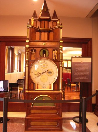 The Hershey Story : Amazing clock