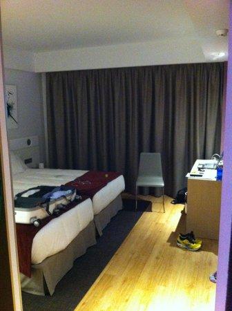 Hotel Sercotel Ciudad de Miranda: Habitación