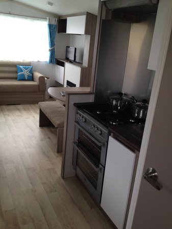 Caister-on-Sea Holiday Park - Haven: Kitchen area