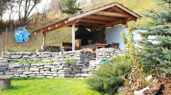 Penzion V Strani: garden grill