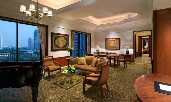 The Sultan Hotel & Residence Jakarta: Royal suite living room