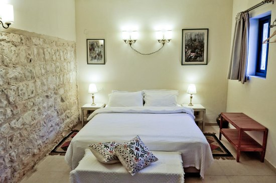 Shulamit Yard: economy double room