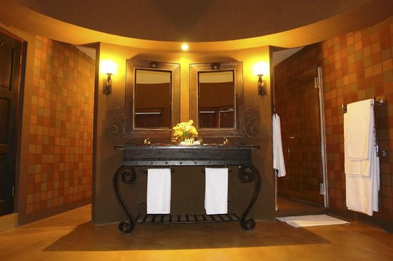 Thaba Eco Hotel: Standard Room Bathroom