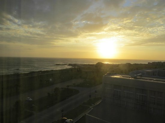 Protea Hotel Port Elizabeth Marine : Late evening view from room 733