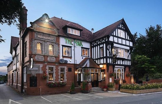 Kelsall, UK: The Royal Oak Hotel and Restaurant. Chester Road