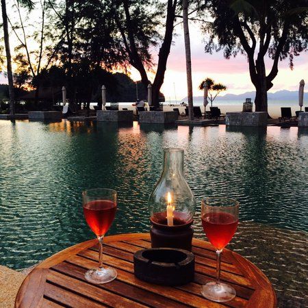 Tanjung Rhu Resort: Poolside drinks